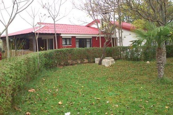 jardines-casa-rural-camping